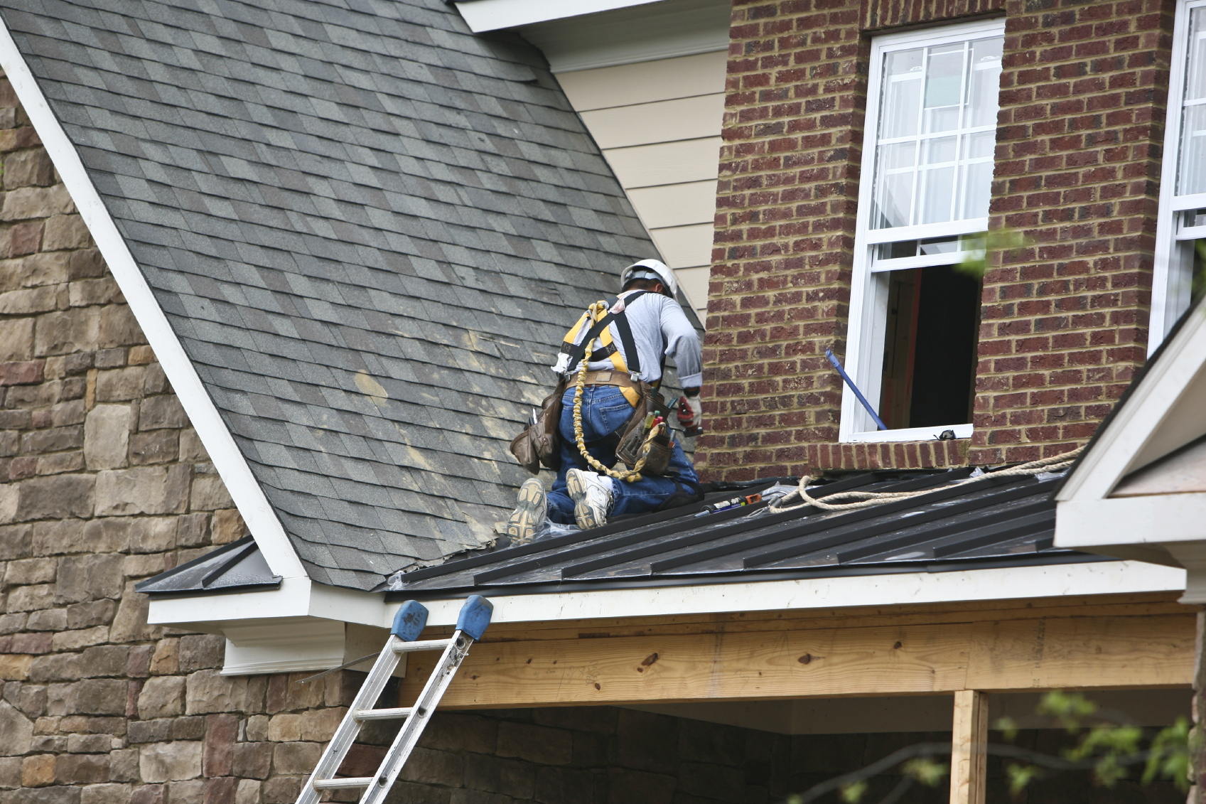 Why You need to Read Reviews Before Choosing a Roofing Company